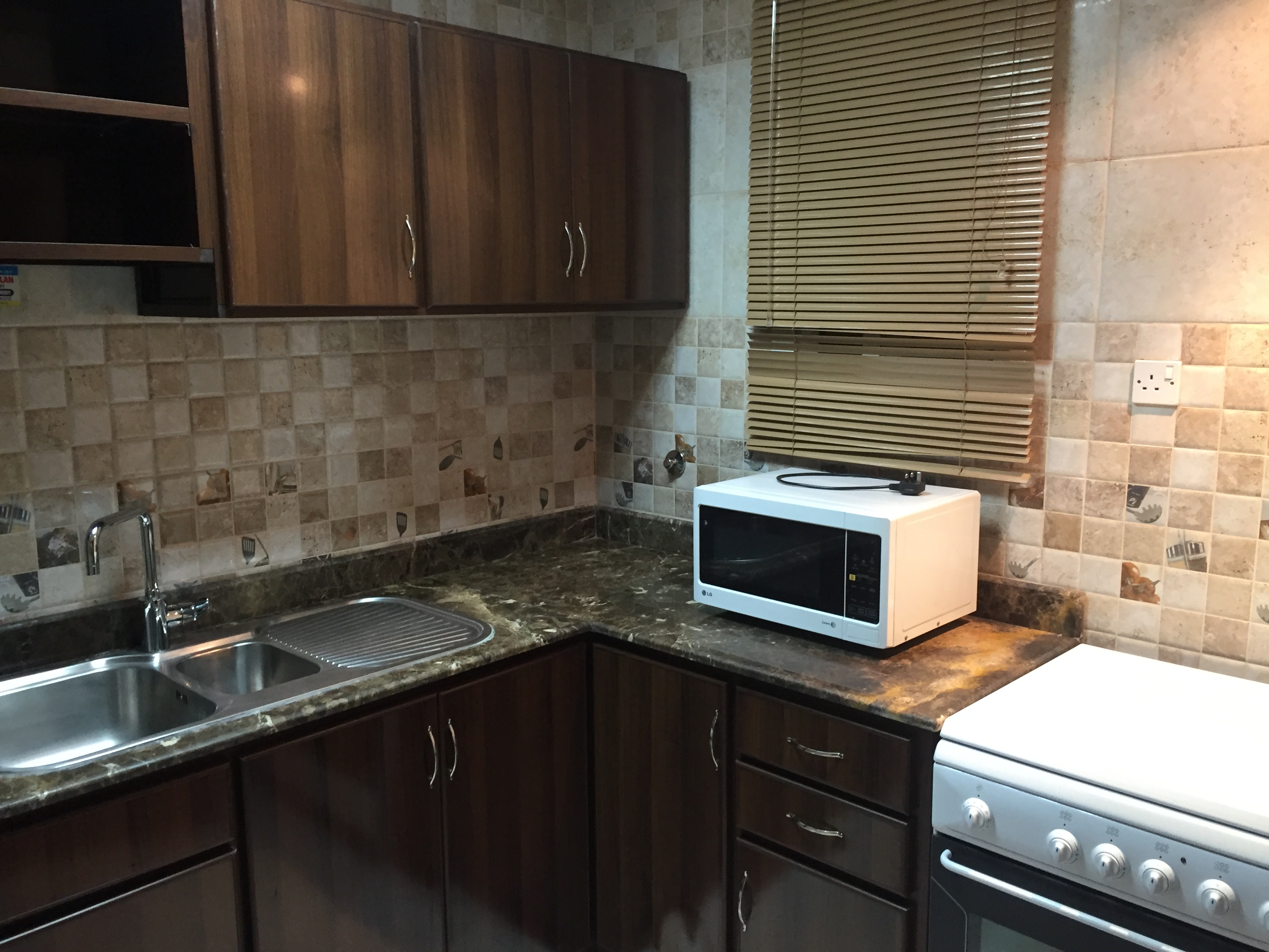 UNFURNISHED AND FURNISHED 2 BHK AVAILABLE AT DOHA BEHIND
