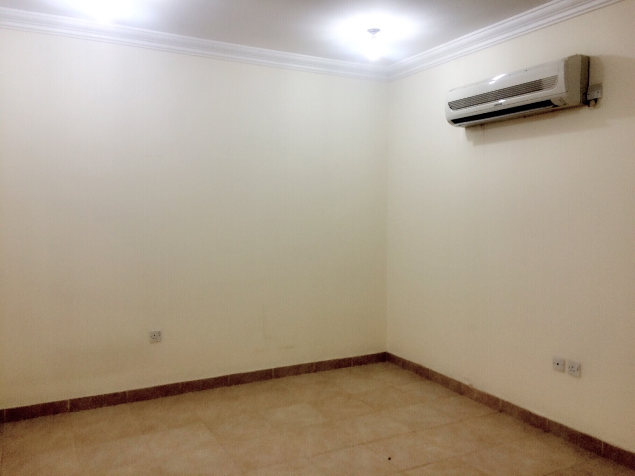 High Quality Information. 1 Room For Rent ...