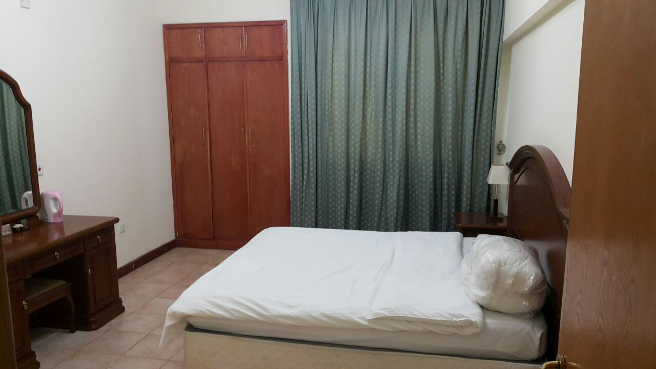 Executive  luxury Flat is available 2BHK for shari