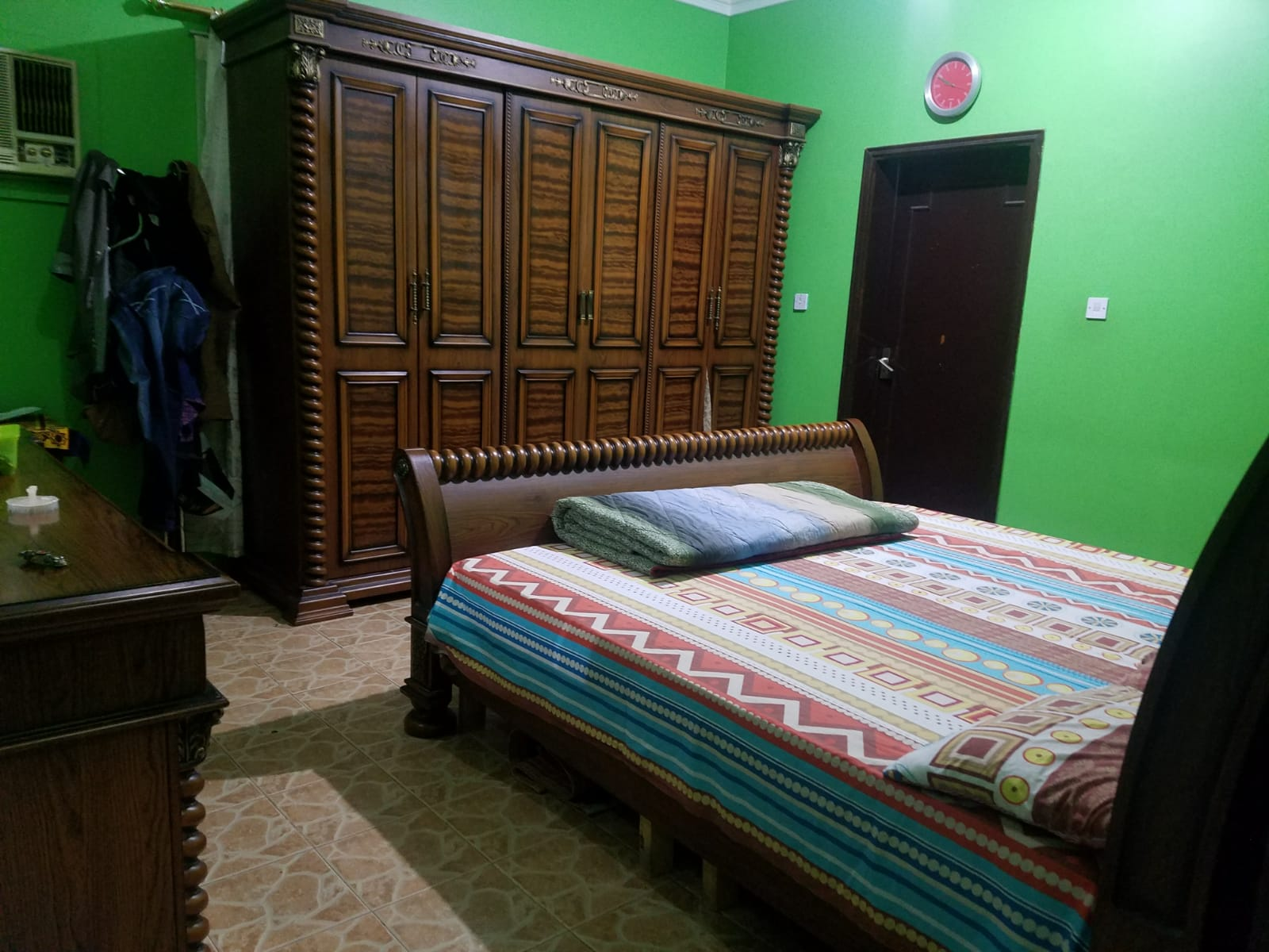 Rooms Or Bed Space For Indian Executive Bachelors At New