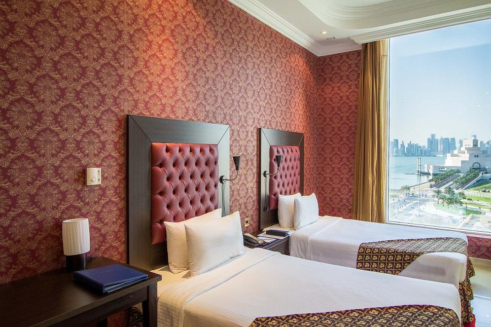 Deluxe Double Room - Horizon Manor Hotel