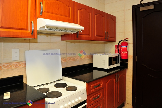 NO COMMISSION! 3BR FURNISHED APARTMENT WITH ONE MONTH RENT FREE