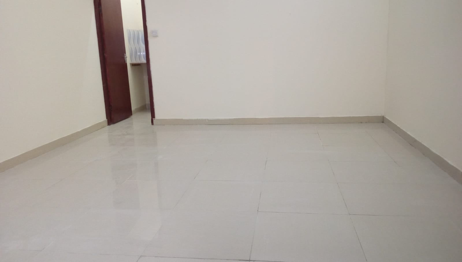 (No Commission) Studio Room Including Kahrama For  Bachelor  In Al Thumama
