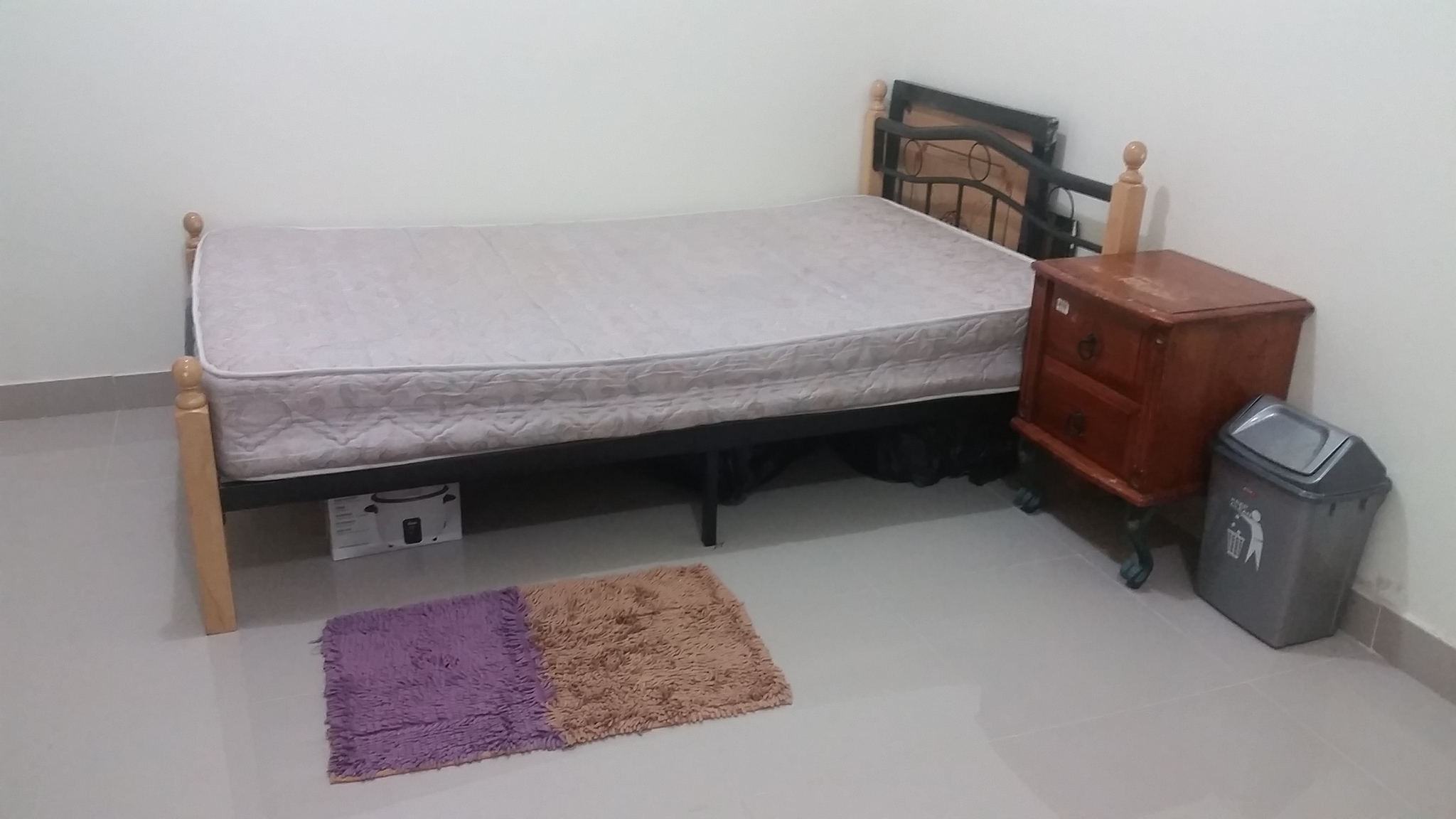 Bed space available for a lady(Sri Lankan/Indian)
