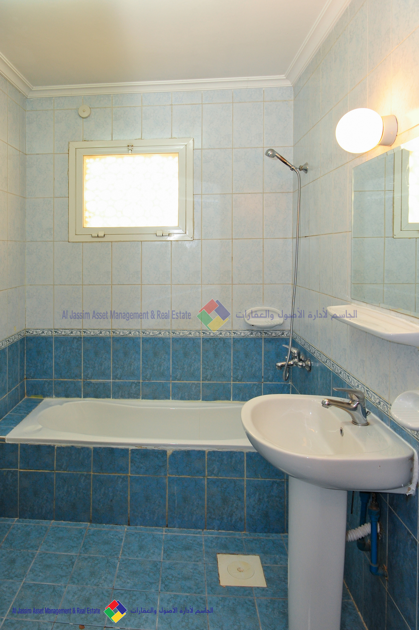 1 MONTH FREE!! 2 BR Unfurnished Apartment