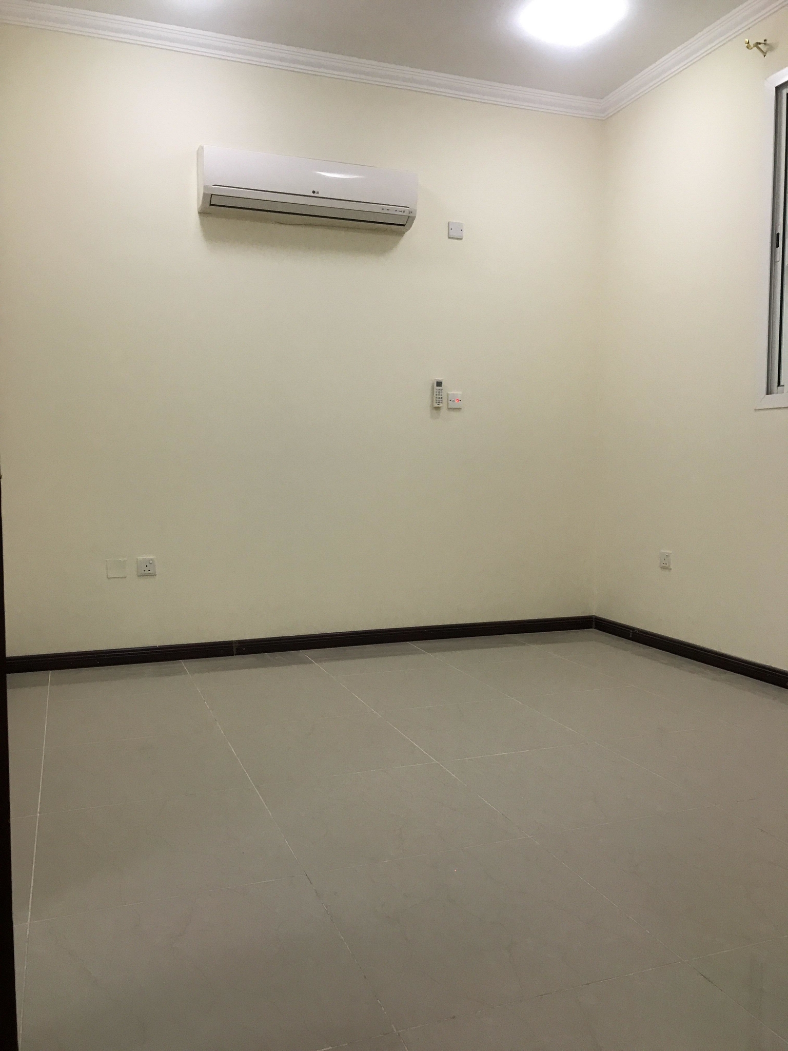 5 bhk bachelors compound Villa for rent at Abuhamour