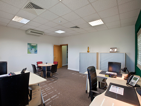 Rent your membership gold office space in Doha, Airport