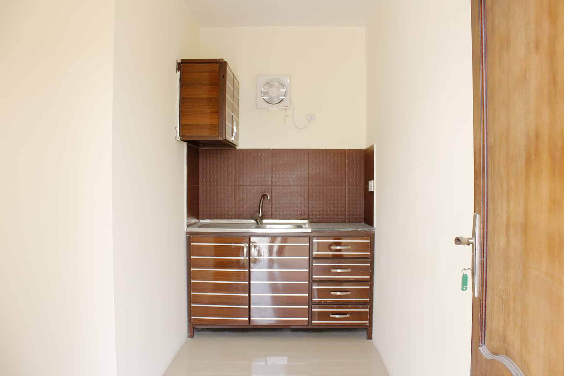 Budgeted!!! Unfurnished Studio Flat│Old Airport