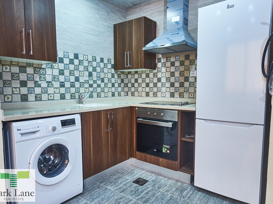 Bargain!! Brand New Apartment-Fully Furnished with Swimming Pool,Gym and Spa