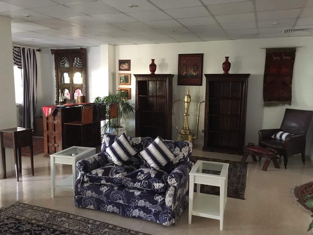 Room for Rent in Shared Villa