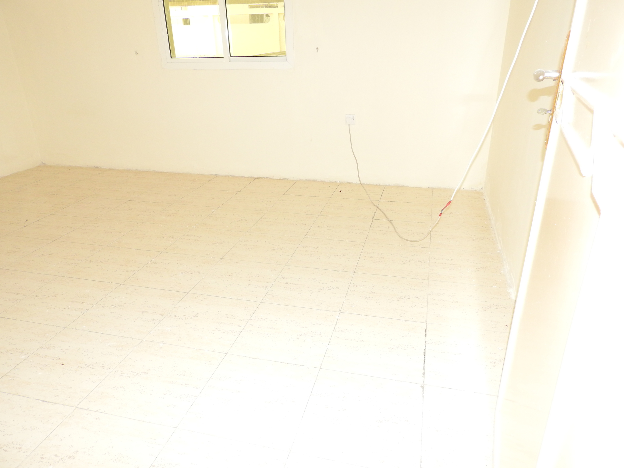 2 BEDROOM SPACIOUS FLATS AVAILABLE IN OLD AIRPORT