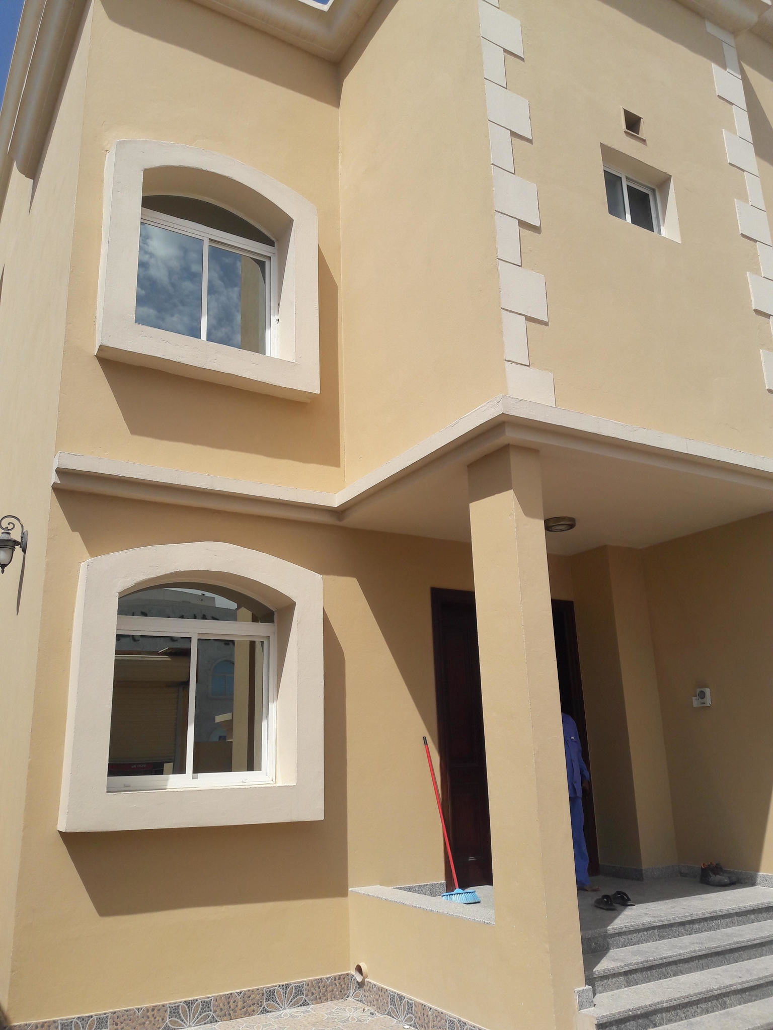 villa for rent at ain khalid (for executive batchlor or family)