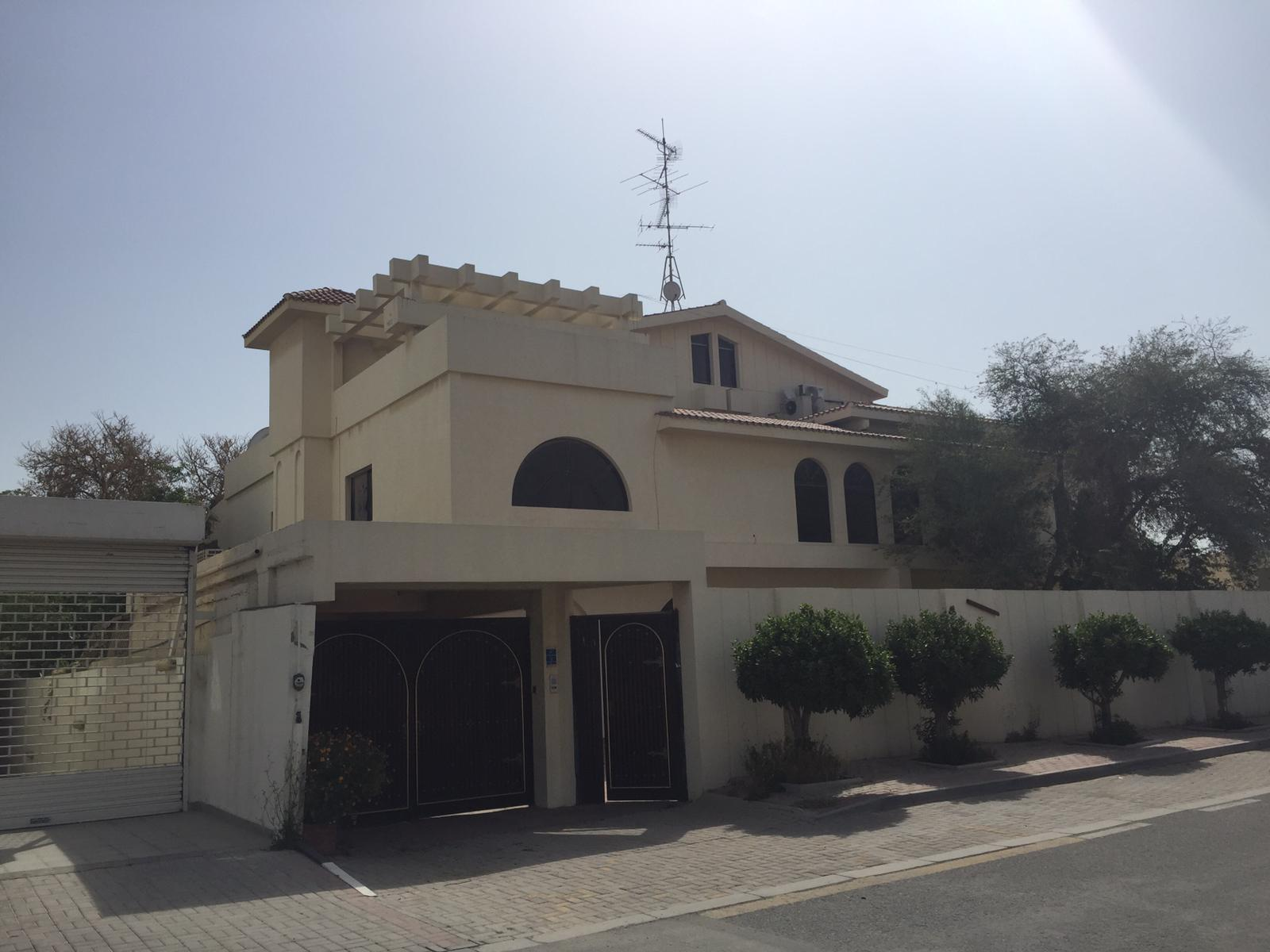 Semi Commercial Villa at New Salata (Ali Bin Thalib Street)