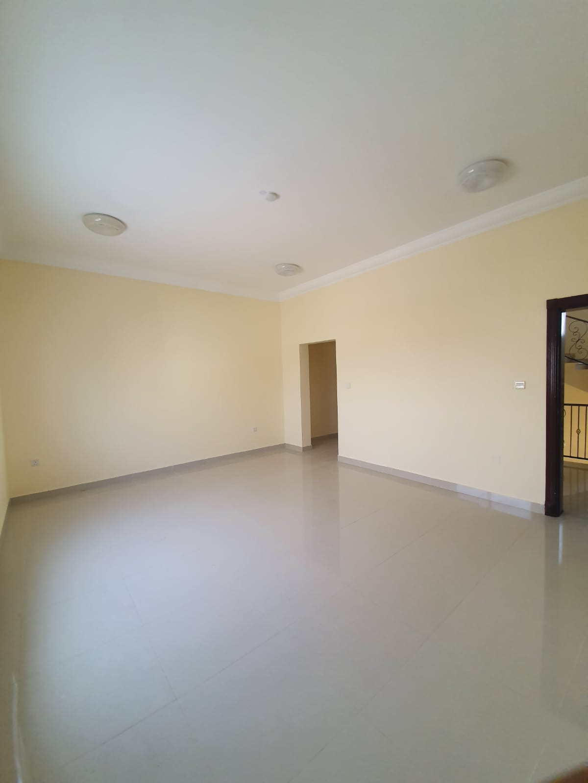 **NO COMMISSION** SPACIOUS 4+2 ROOMS 4 BATH VILLAS AVAILABLE FOR EXECUTIVE BACHELORS IN AIN KHALID