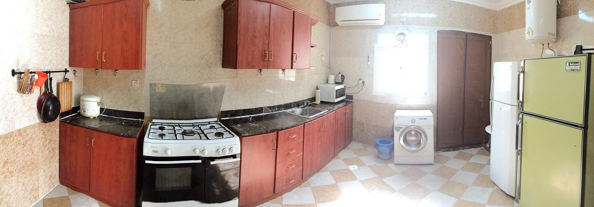 Room for single bachelor in a shared villa Ezdan Wukhir