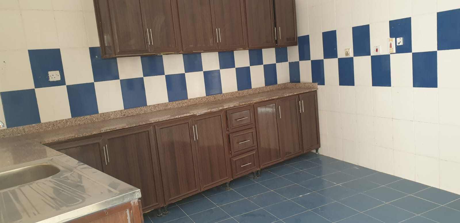 7 Bedroom Villa Available for Rent for staffs in Wukair Area