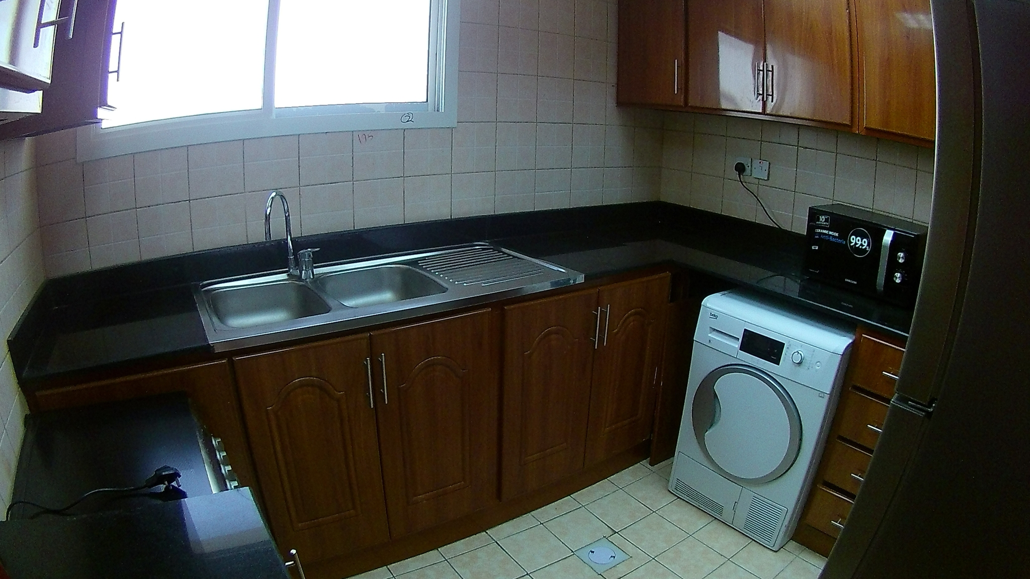 2 BHK unfurnished flat for family or exe bachelor in Najma