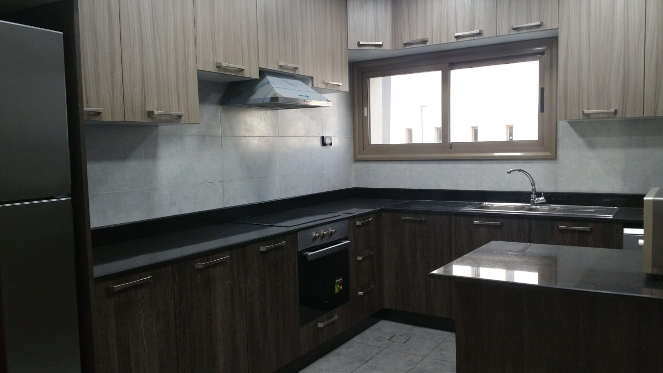 """2years contract 4 months free 3 BHK SF """"NO COMMISS"""