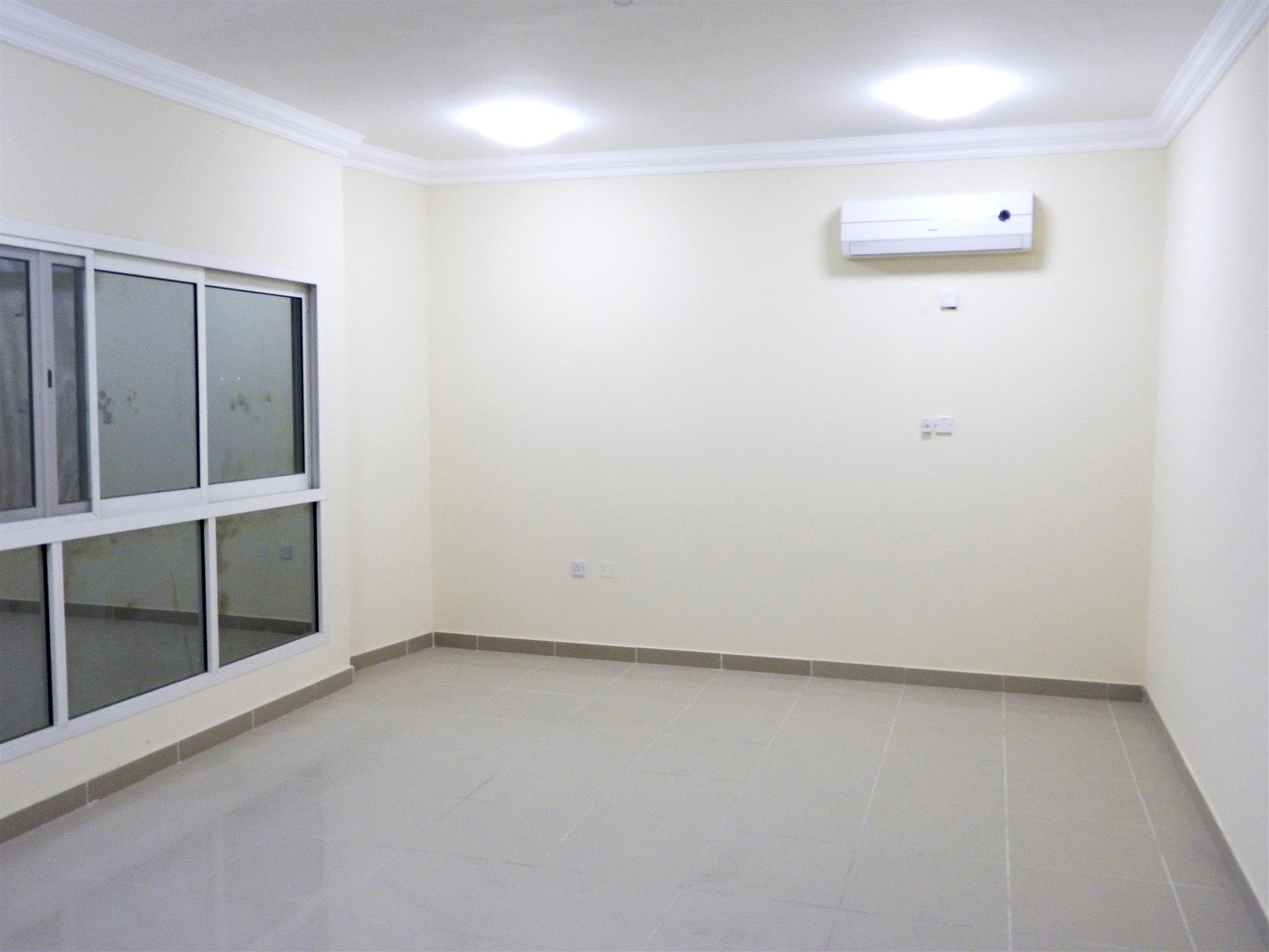 SPACIOUS 3 BHK APARTMENTS IN NAJMA NEAR REGAL SUPERMARKET FOR BACHELORS .
