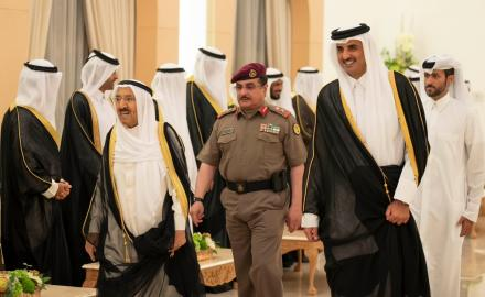 HH the Amir, Kuwaiti Amir discuss ways to enhance bilateral ties