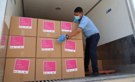 Qatar distributes 50,000 food kits to expat communities for Eid