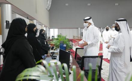 PM visits headquarters of Candidates' Committee of Shura Council elections
