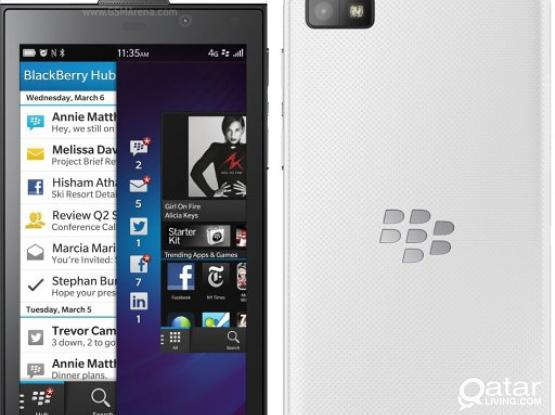 Second Hand Mobil Phone Blackberry Z10 in a good condition