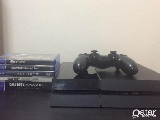PS4 in very good condition with 5 games