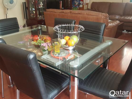 BEAUTIFUL GLASS DINIG TABLE WITH 6 CHAIRS HOME CENTER