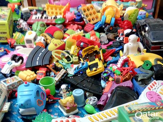 200 USED TOYS FOR SALE