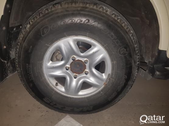 landcruiser tyre with rim