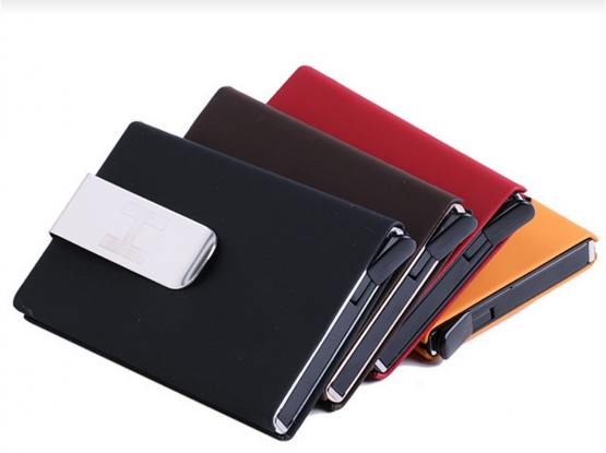The Ultimate Slim Wallet Capacity of 7 cards.