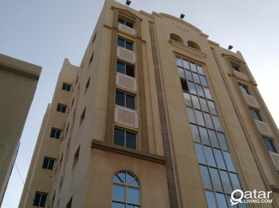 2BHK Flats available for Family with Parking at Doha Jadeed!!!