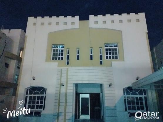 Family Villa For Rent QAR:1800 @Maamoura