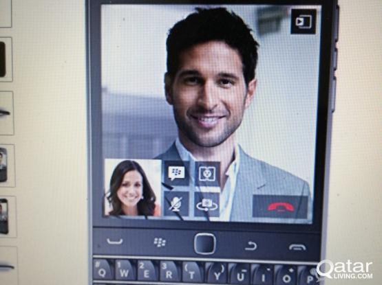 BlackBerry Classic SQC100-1 GSM 16GB, 8MP Phone