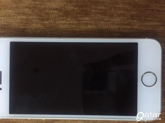IPhone SE 64GB for sale in clean condition