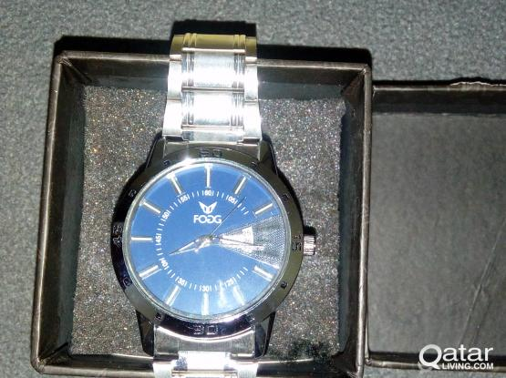 WRIST WATCH WITH DATE AND DAY