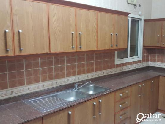 2 BHK apartment in Bin Omran behind Sports roundabout.. NO COMMISSION!!! NO DEPOSIT!!!  ** Maintenance available