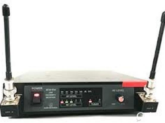 Audio Technica ATW-R14 DIGITAL REFERENCE UHF DIVERSITY RECEIVER ( NO MICRPHONE) INCLUDED