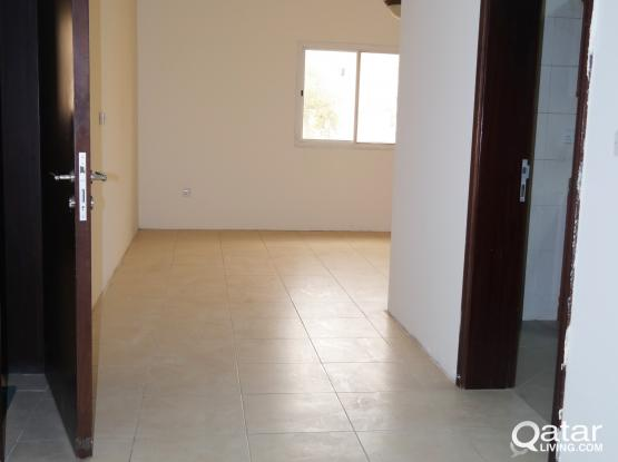 spacious  unfurnished 2 bhk apartment with balcony at bin omran