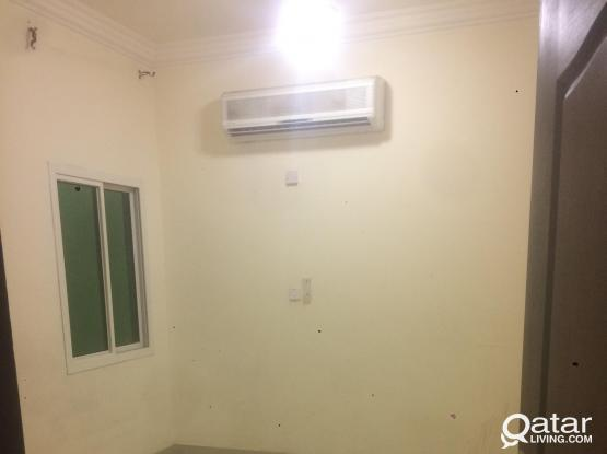 Flat for rent (2bhk) No comission/1 month free