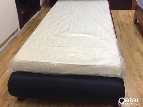 FANCY DIVAN BED FOR KIDS  BRAND NEW SIZE:  90X190 AND 120X200 PH:-33280157