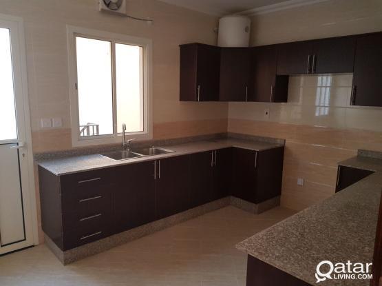 Brand new 5 bedrooms villa in Al Garrafa for rent