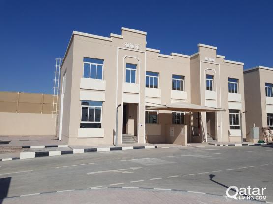 Brand New 5bedrooms villa in alqarrafa for rent
