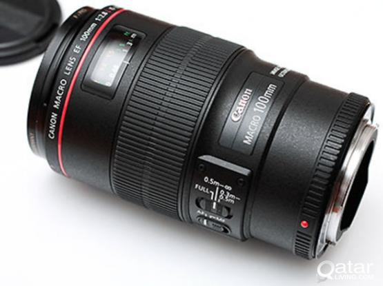 Canon 100MM f2.8 L IS USM LENSE ALMOST NEW