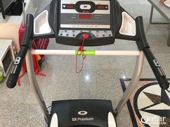 electric sport walking machine. mobile: 66808481