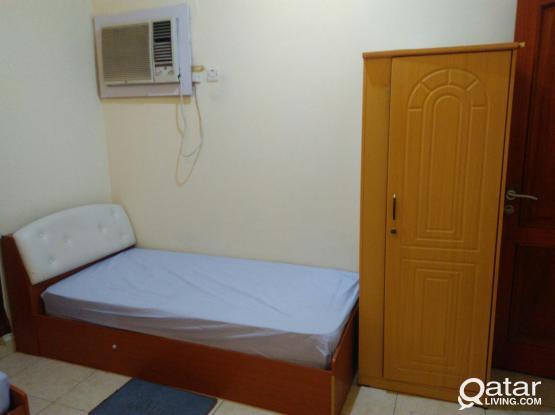 FULLY FURNISHED BED SPACE FOR BATCHELOR MEN ( MANSOORA, MUNTAZA, DOHA )