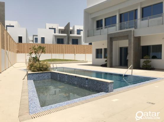 Super Deluxe  new compd villas fully furnished.
