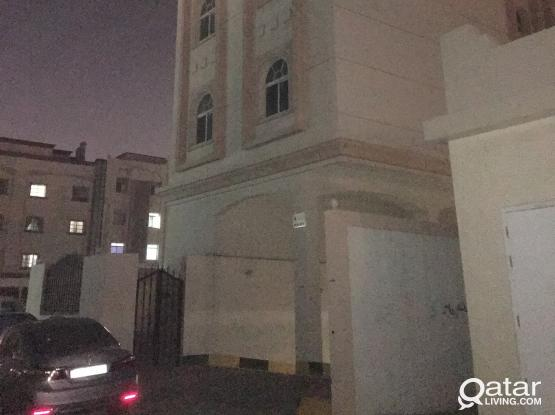 Brand new condition 3 bhk proper flat apartments with balcony very spacious Available at wakrah at Al Wakrah