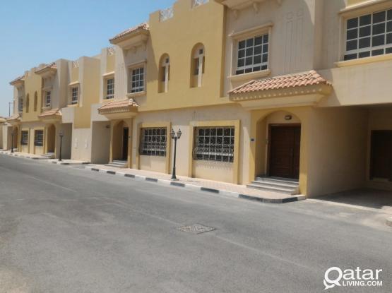 6 bedroom villas  for rent in Wakra